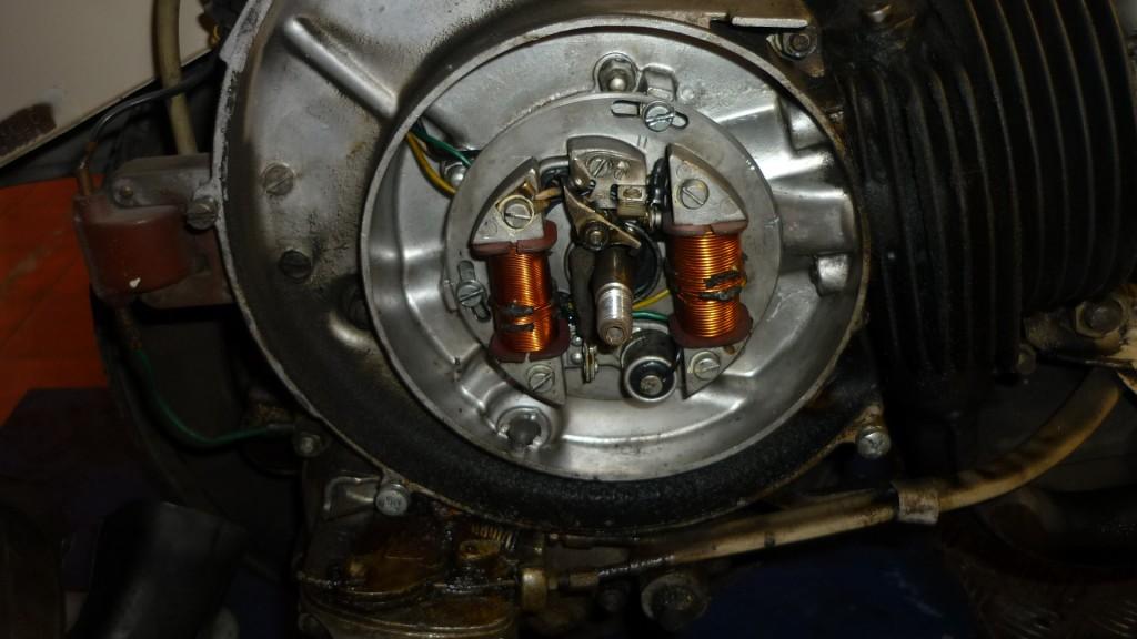 queda  a la vista el plato de bobinas