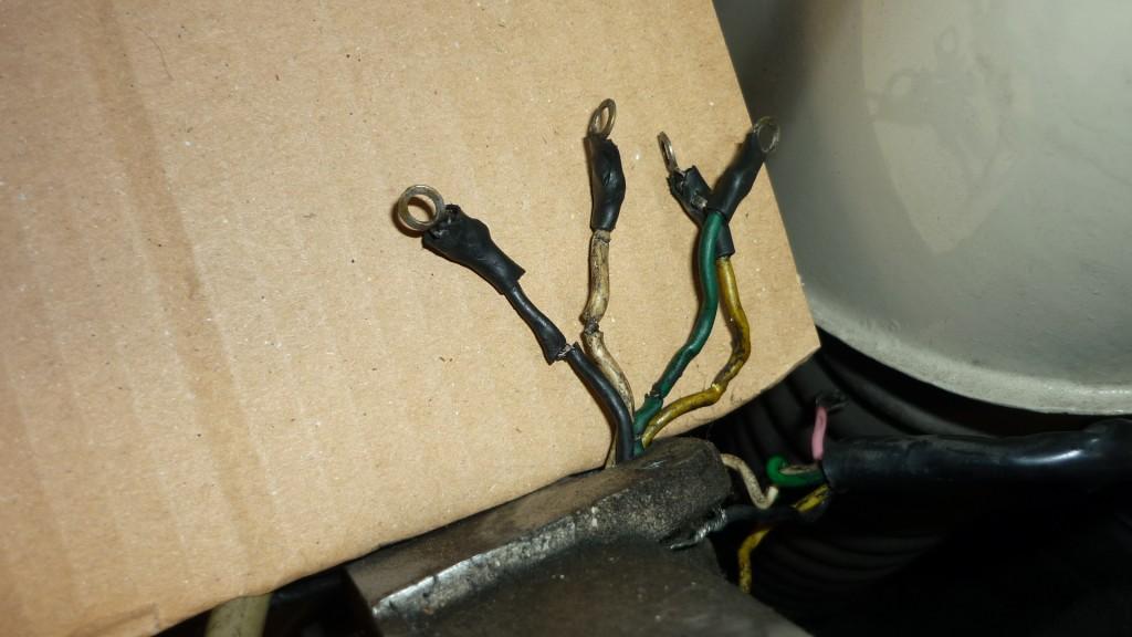 algunos de estos cables tienen la funda dañada y habrá que aislarlos bien