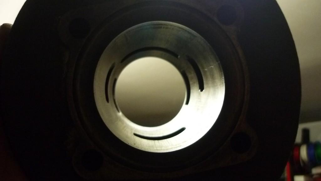 el cilindro presenta un desgaste acorde con los años, sin grandes arañazos