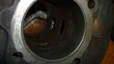 este el  oxido que mas a profundizado en la pared del cilindro