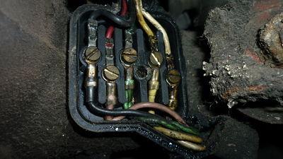 una foto de las conexiones eléctricas, nos servirá como esquema para su posterior montaje
