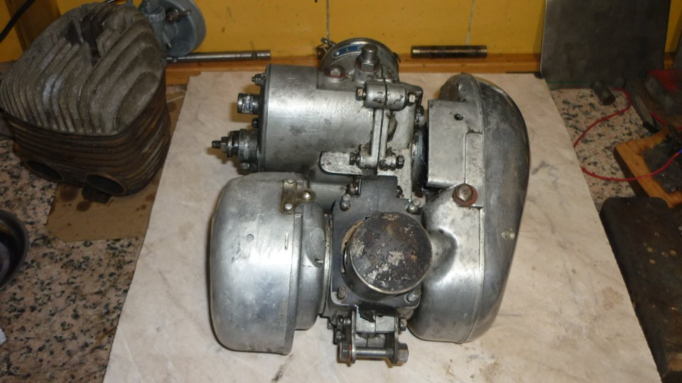 el motor sin cilindro, esta bastante completo