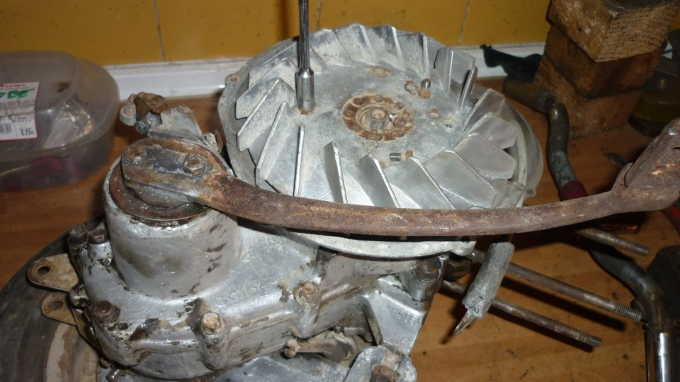 el motor gira, pero no tiene piston