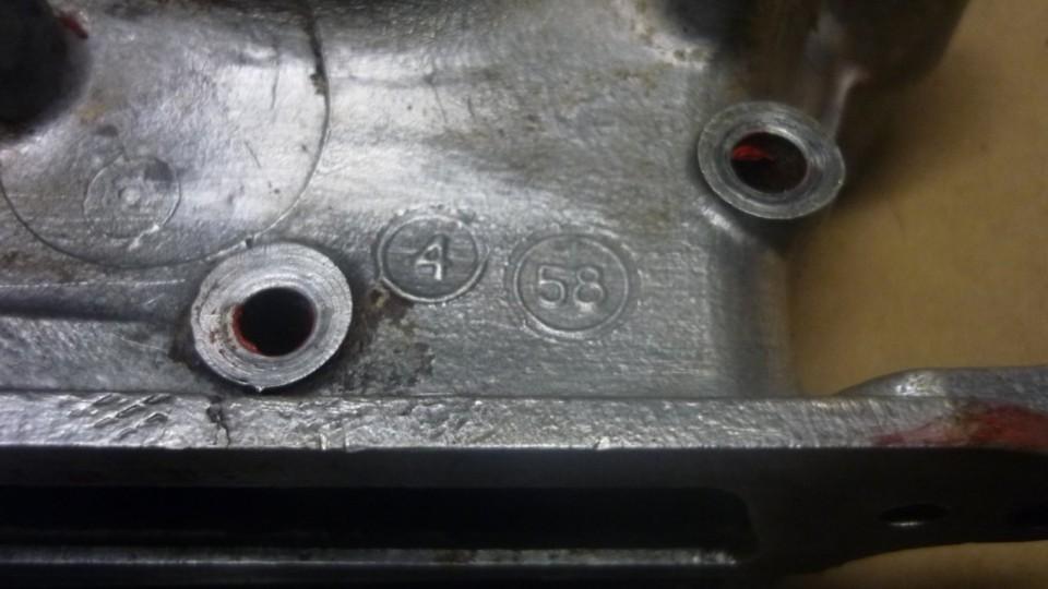 en estos motores, aparece el año de fabricación grabado por todos lados, este es de 1958