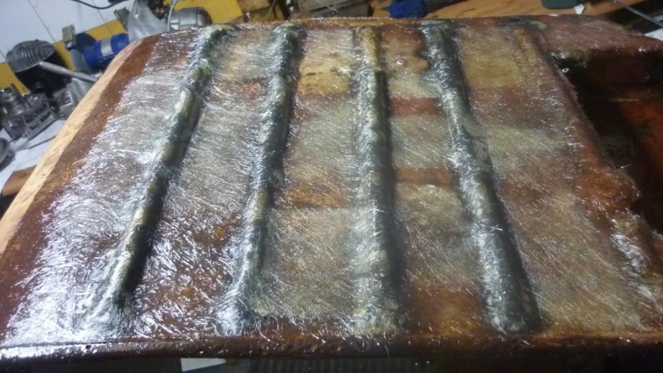despues de varias capas de resina y fibra, nos queda asi
