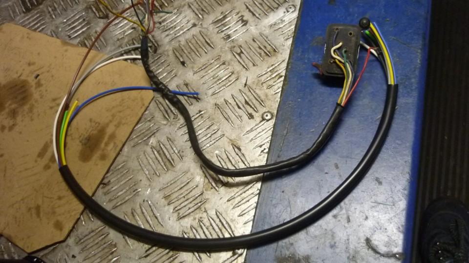 ponemos cables nuevos al interruptor de luces