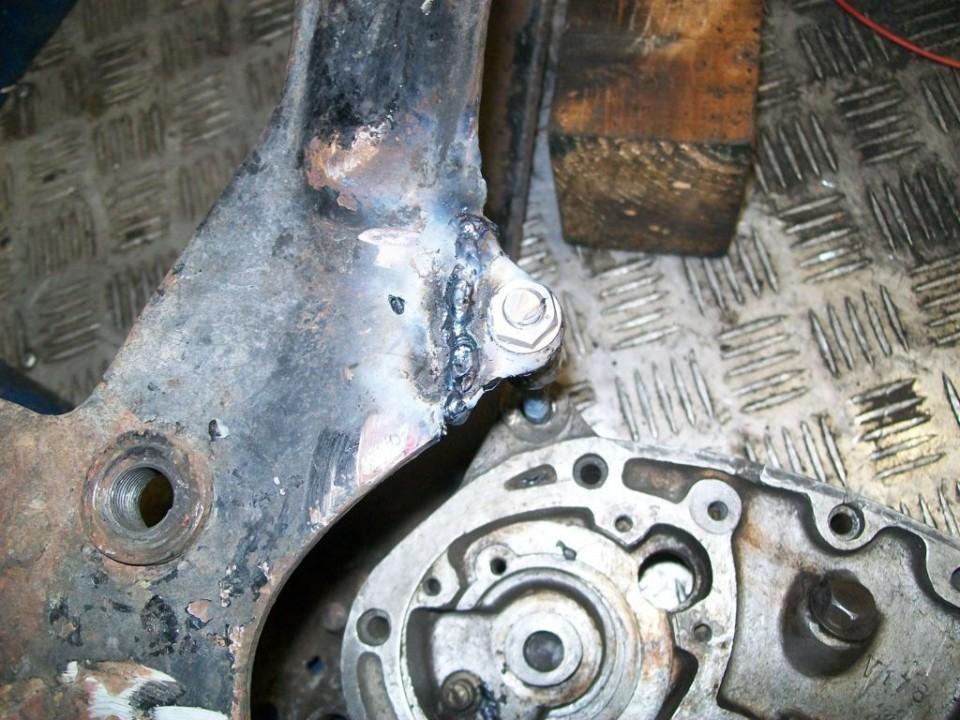 he tenido que reemplazar uno de los soportes del motor