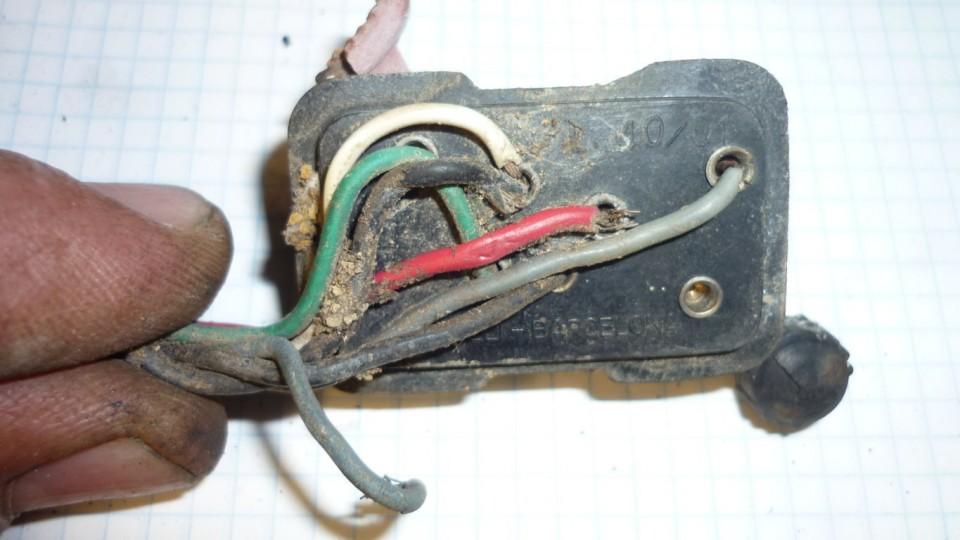 los cables están duros y medio sueltos