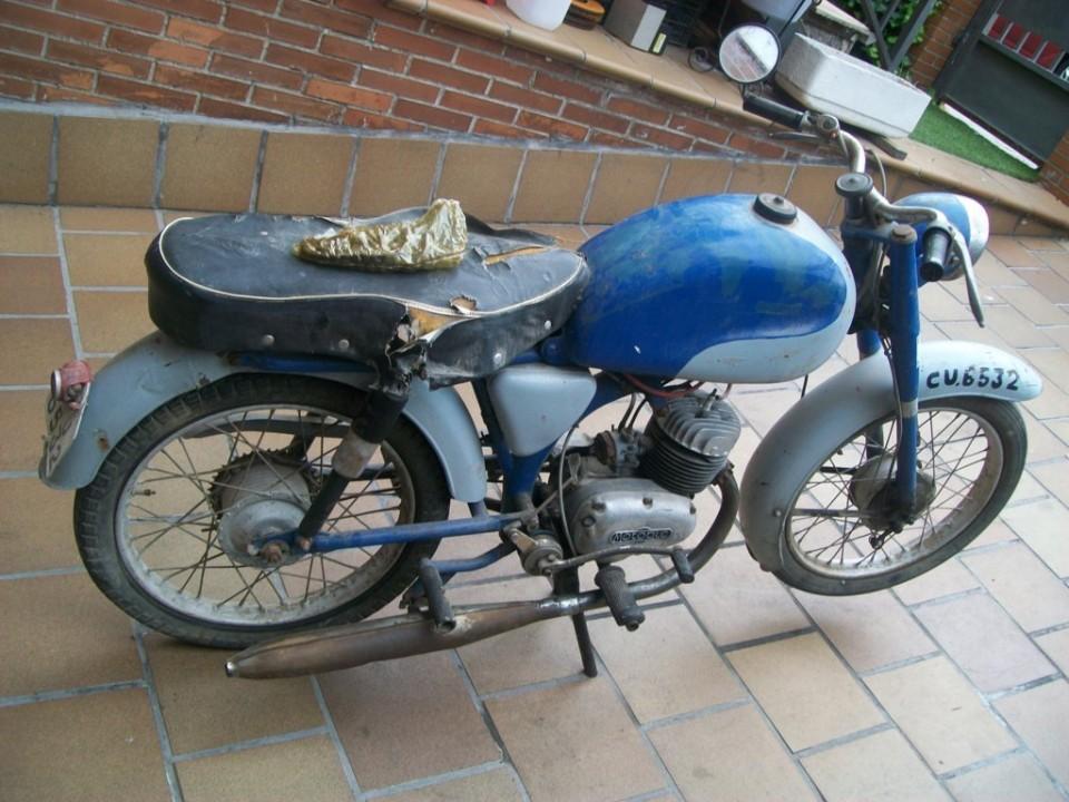 Lo importante en estos ciclomotores es que estén enteros y no le falten piezas originales