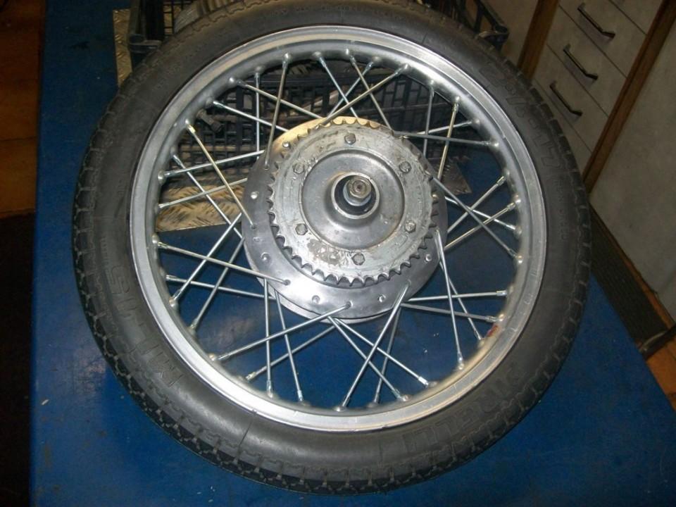 rueda radiada y lista