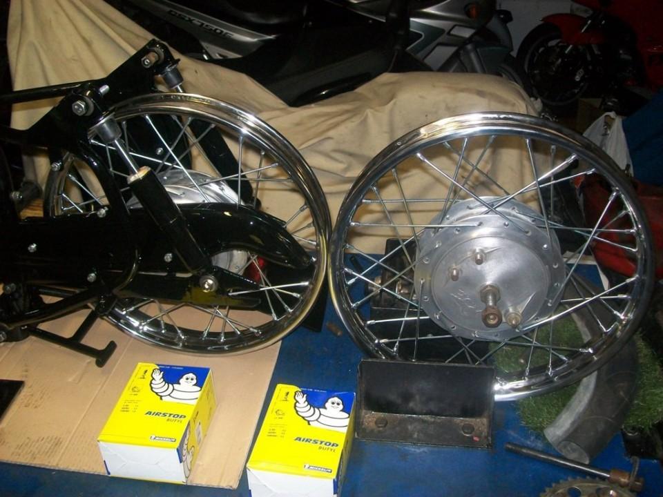 preparamos las ruedas para montar cámaras y cubiertas