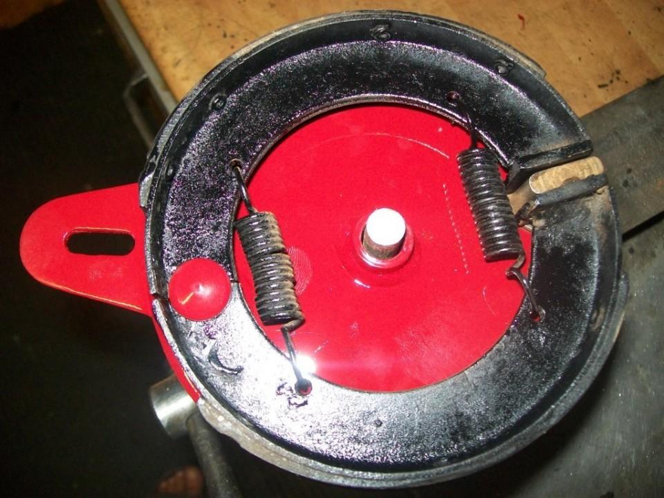 montamos las zapatas en los portazapatas, y asi completar las ruedas
