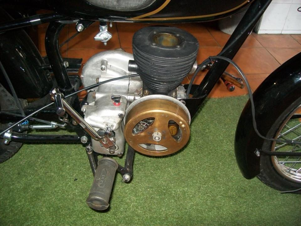 colocamos el motor en el bastidor, y hacemos la puesta a punto sin la culata