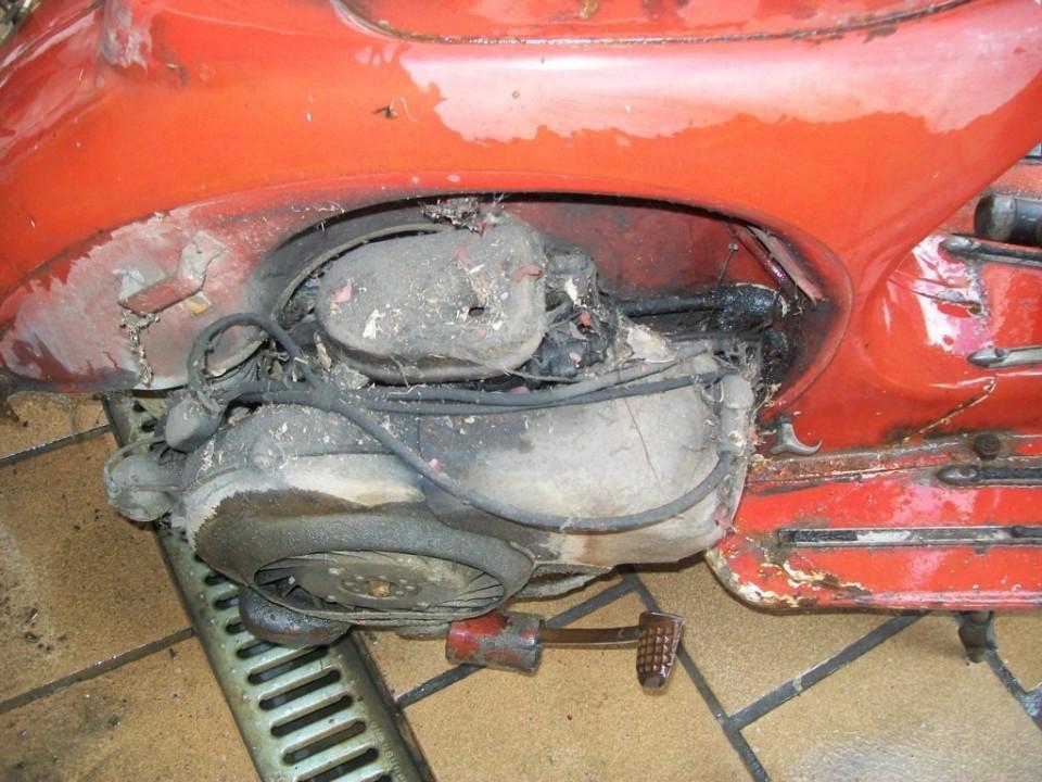 el motor tiene también su buena costra