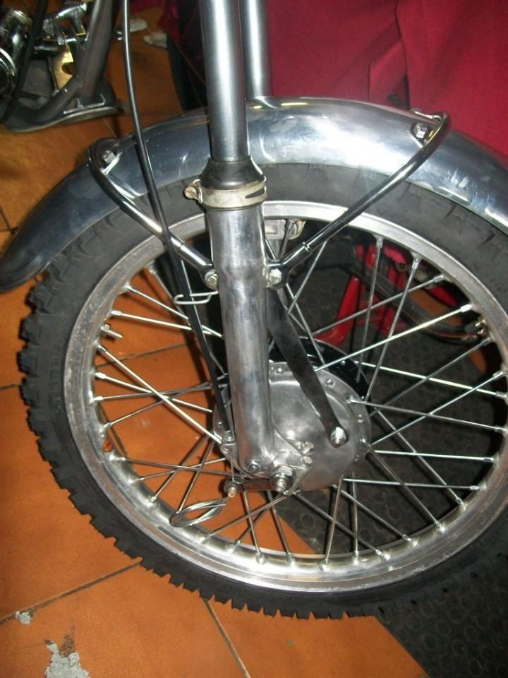 montamos rueda, frenos y guardabarros